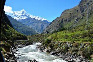 Peru Ollantaytambo rivier en Andes Mango Travel