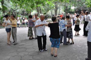 China Chengdu dansen in Peoples Park Mango Travel (21)